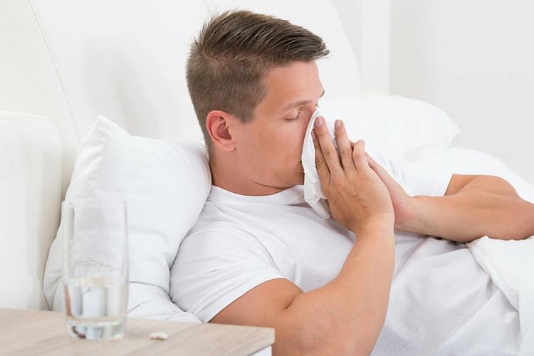 Ako sa zbaviť nádchy – VÁŠ LEKÁRNIK. Zdroj obrázka www.shutterstock.com