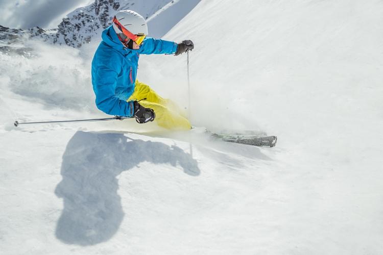 Povinná výbava lekárničky lyžiara. Zdroj obrázka: www.shutterstock.com