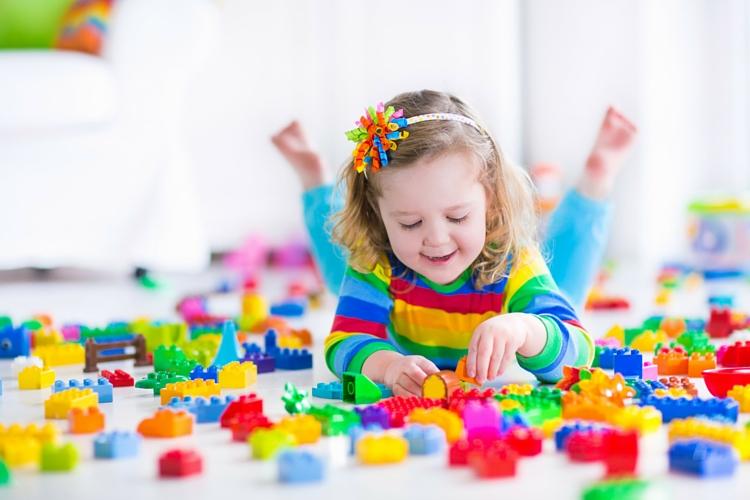 Multivitamíny pre deti – VÁŠ LEKÁRNIK. Ako žiť s celiakiou VÁŠ LEKÁRNIK. Povinná výbava lekárničky lyžiara. Zdroj obrázka: www.shutterstock.com